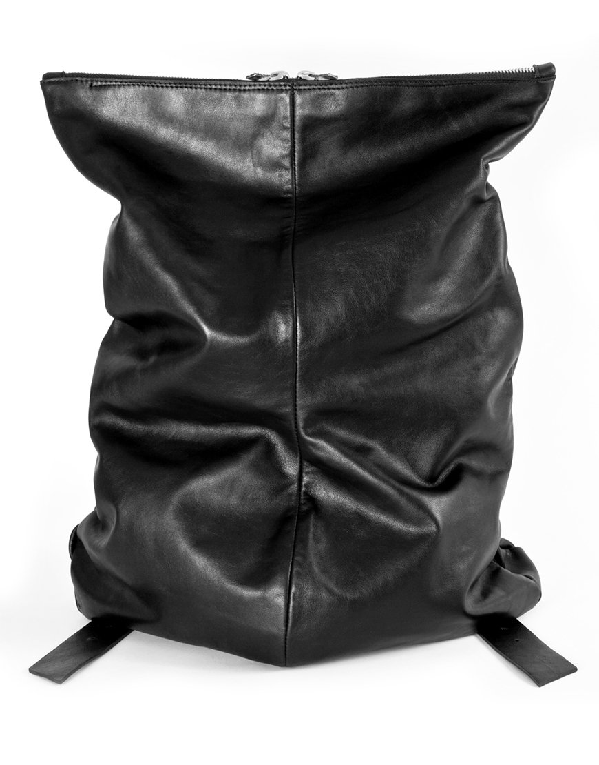 black backpack made in italy by superology in collaboration with lucamaleonte
