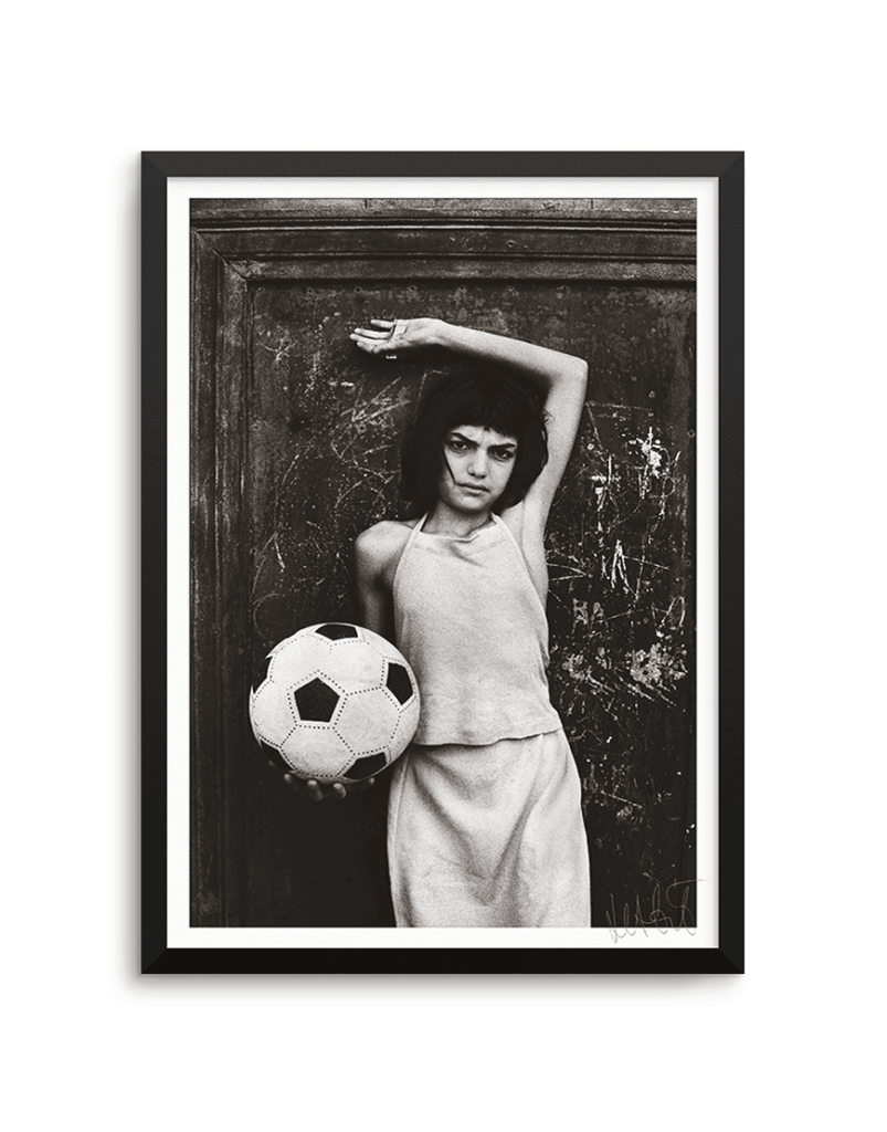 Letizia Battaglia Bambina Col Pallone Limited edition photo
